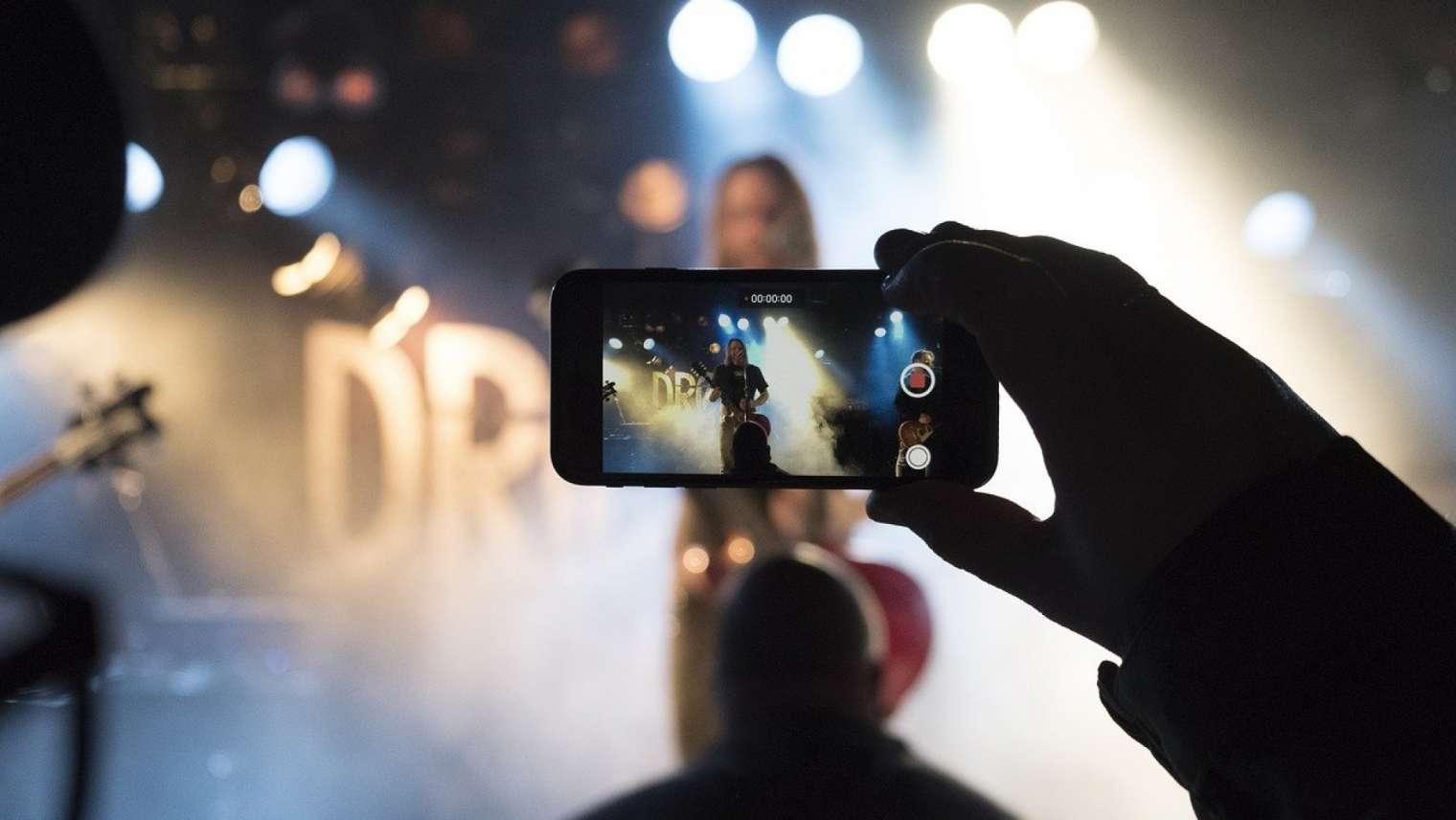 Se démarquer dans l'industrie musicale grâce à la communication !